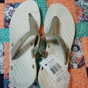 Columbia vent flip flops size 10